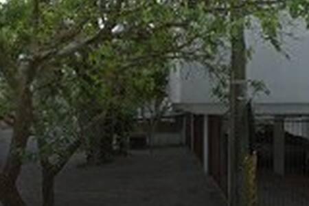 Apto  bem localizado em Porto Alegre-RS.