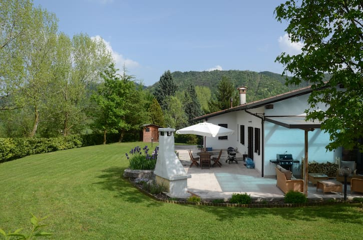 Family friendly home & large garden - Monfumo - Talo