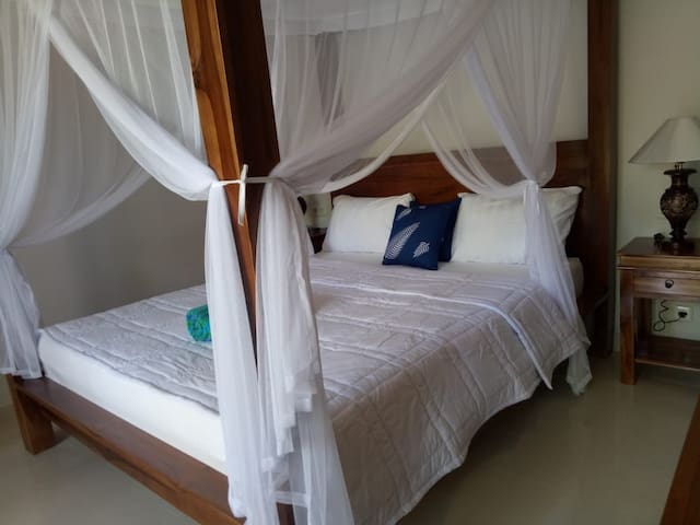 Private room w/AC -accomodation in  Ubud Bali 4
