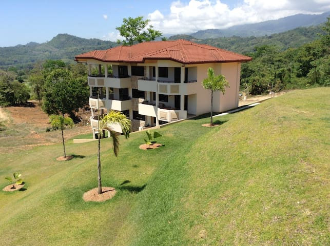 THE BEST OF EVERYTHING WRAPPED INTO ONE CONDO - Puntarenas Province - Ortak mülk