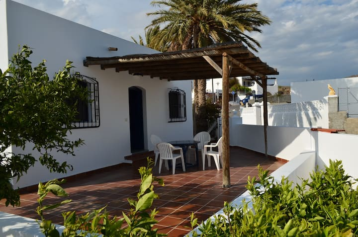 Lovely house 400 meters away from the beach
