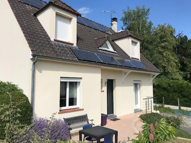 Maison spacieuse avec grand jardin (Oise 60120)
