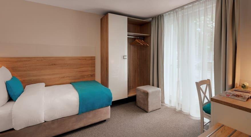 Hotel-Pension Seereich, (Lindau am Bodensee), Einzelzimmer Standard mit WC und Dusche