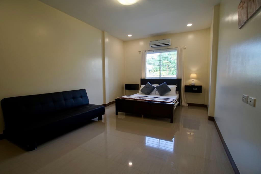 Large Master Bedroom with Queen bed and double Sofa Bed