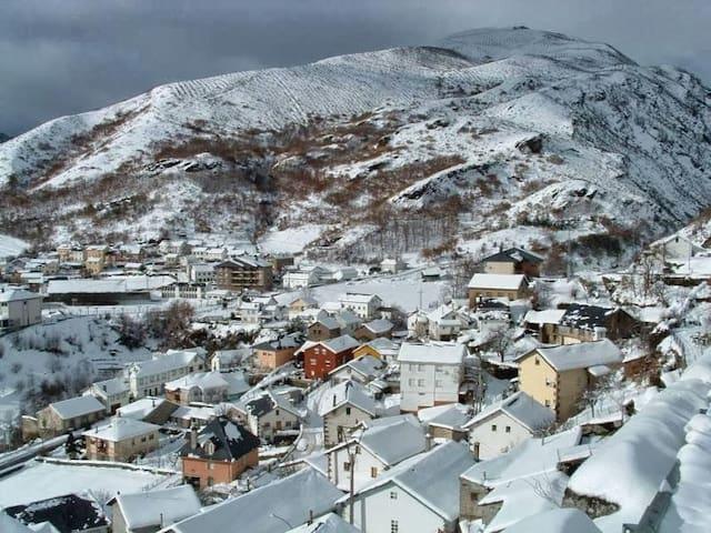 Casa a 10 min. de La pista de Ski de Leitariegos - Caboalles de Abajo - Дом