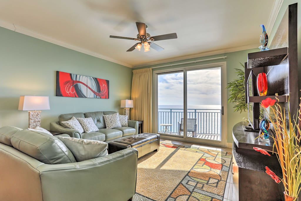 This condo is ideal for 10 guests!