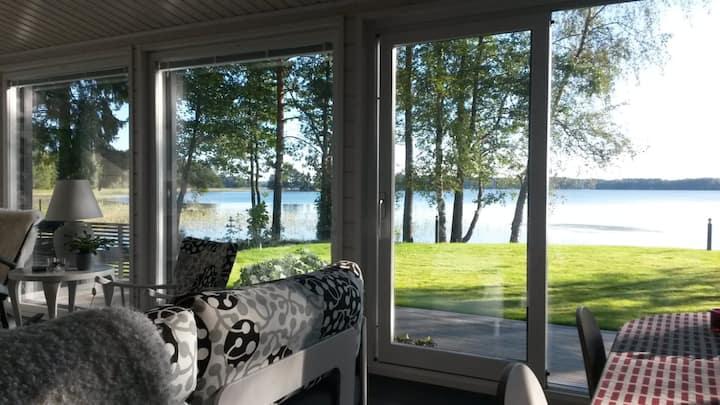 Modern Villa Kaislahti by lake Salajärvi