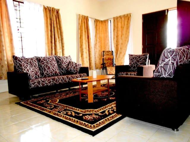 Villa Azalea - Temerloh - Domek parterowy