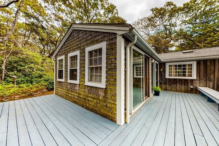 Private and quaint cabin-style home w/ wrap-around porch - small dogs OK!