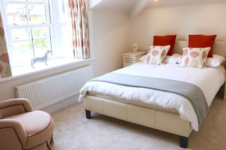 No.6 - B&B on the River, Chester.