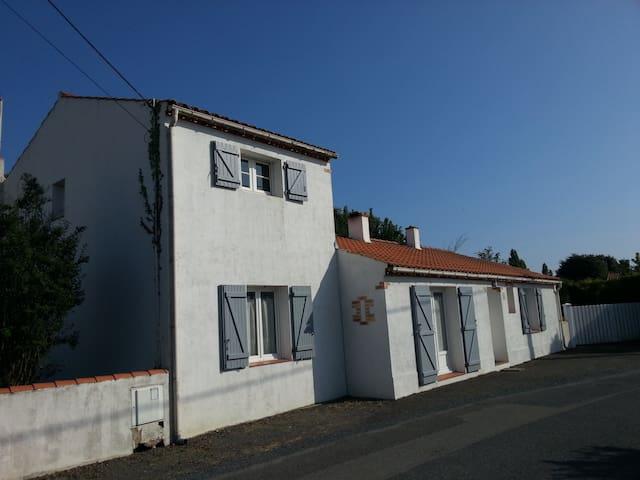 Maison 110m² Le Fenouiller à 5 km des plages - Le Fenouiller - Casa