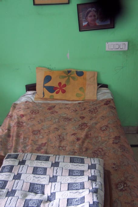 2 Single Beds that can be joined