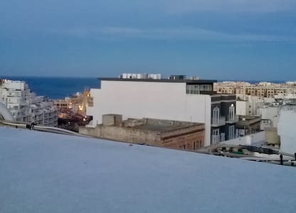 2 single beds in single room, St Julians - Saint Julian's - Apartamento