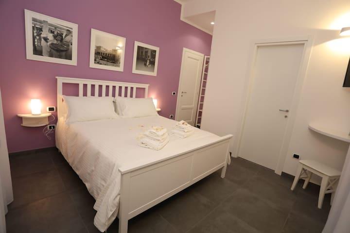 Delia Rooms&Gallery room 2  Napoli staz centrale