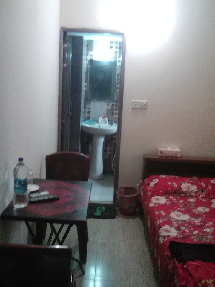 LUVA MANZIL- Private ac room in 4th floor