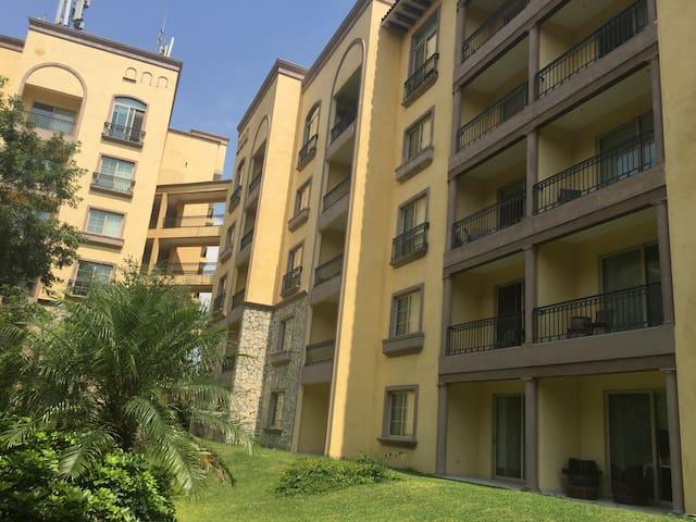 Beautiful 2BD apartment at Legado - Ciudad Santa Catarina - Квартира
