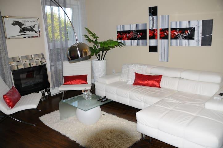 Luxor1 630 - Halifax - Apartamento