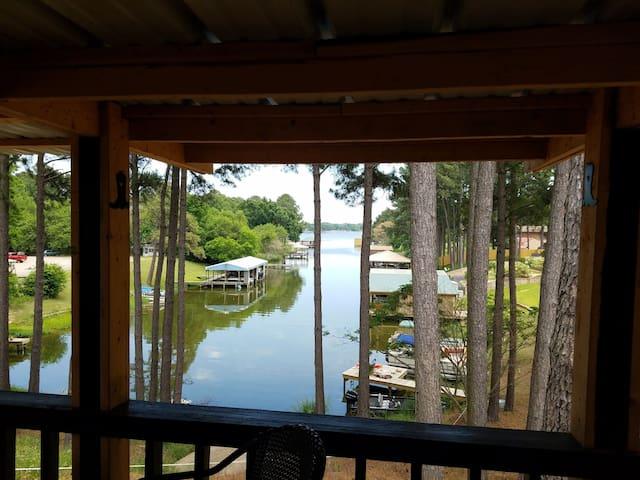 Lakefront getaway...