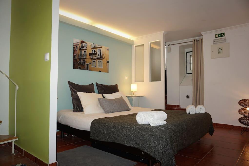 Chambre avec lit King Size + Canapé lit 1 place
