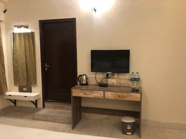 Deluxe Room : The Aster Heritage