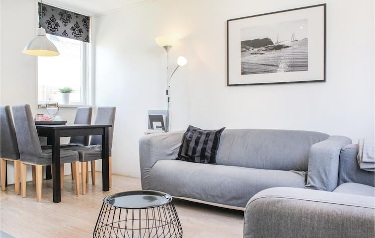 Holiday cottage with 2 bedrooms on 50m² in Egmond aan zee