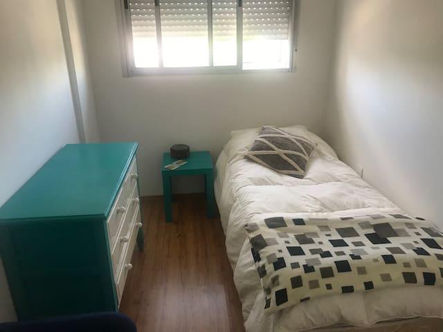 Habitación individual en Cordón, cerca de todo!