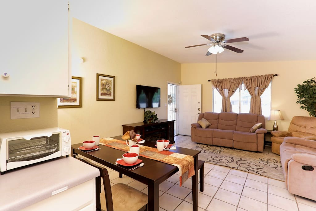 """""""This house was perfect for the 5 of us staying in Tucson. Really a great value."""""""