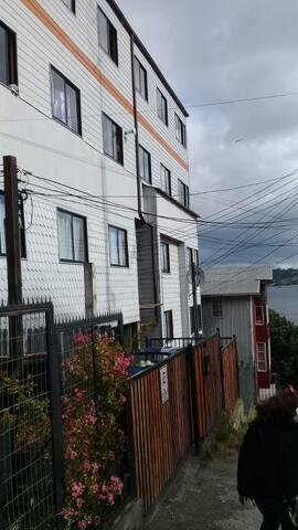 Este es nuestro edificio privado en la calle Thompson