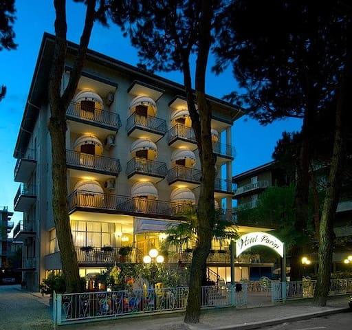 HotelPARIGI*** a Pinarella di Cervia