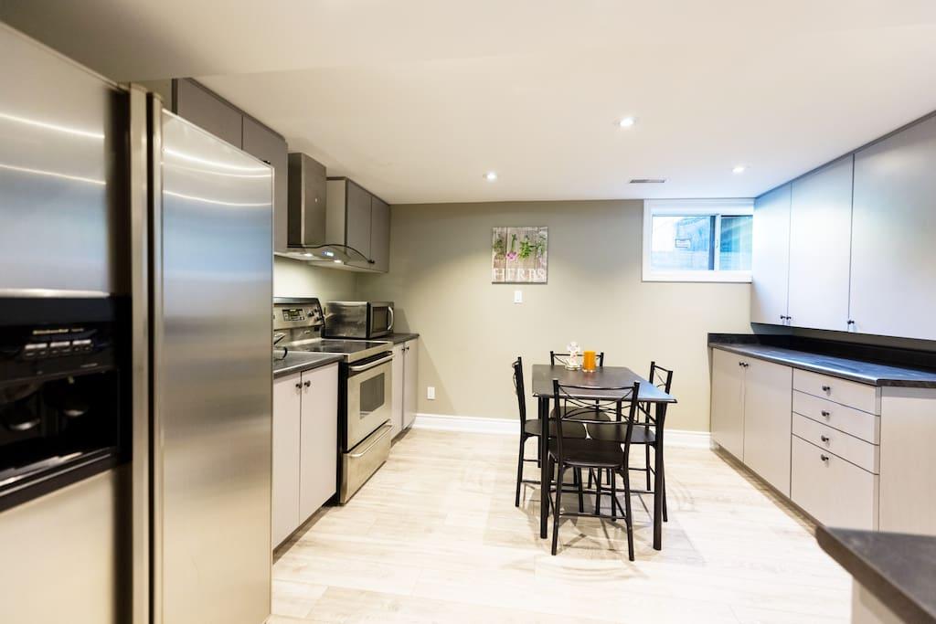 Newly Renovated Modern Kitchen