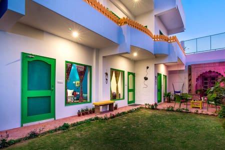 Live Near Taj in Coral Country Homestay