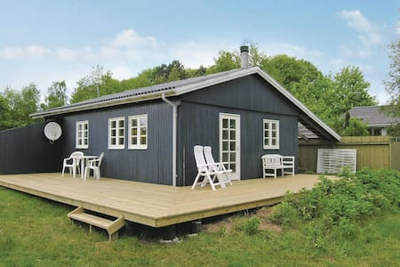Holiday cottage with 2 bedrooms on 54m² in Knebel