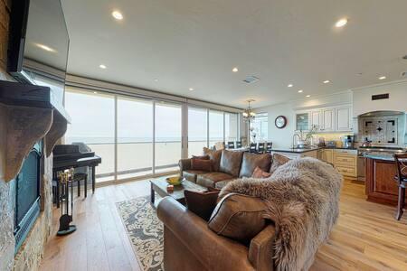 Dog-friendly, oceanfront home w/ easy beach access, beach toys, & stunning views