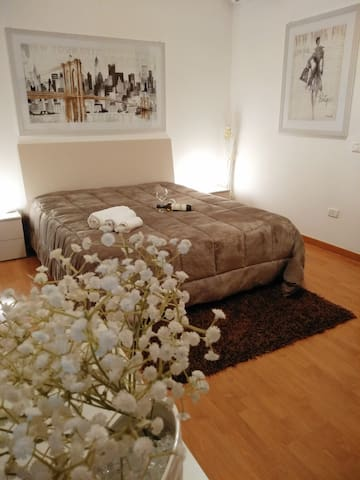Alcamo Rooms(apartment with private garage).