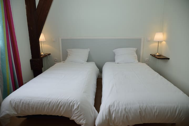 Chambre 2 Lits simples 0.90 * 2 m - APPARTEMENT 10