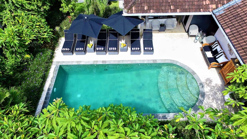 Villa Caviar_4 bdr/Sleeps 8_@Villa Bloom Seminyak