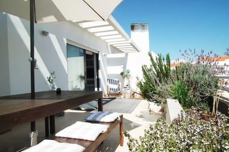 Modern Sunny Apartment w/ 2 Balconies + View - Alcabideche
