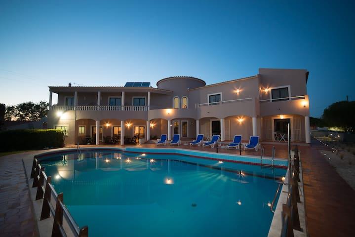 CASA ROSA MONTES - Charming Guest House - Quarto 4