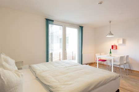 1.3.Great, new apartment near metro + free parking - Viena - Apartamento