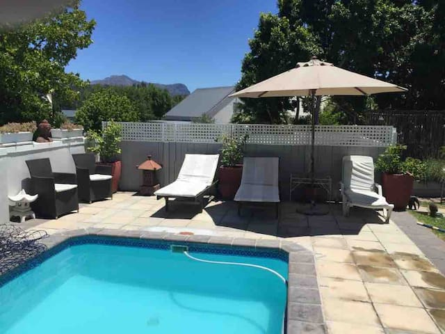 Franschhoek Retreat for Friends or Families