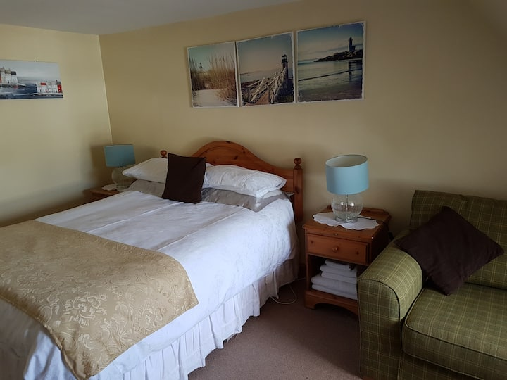 Double room-Standard-Private Bathroom-Breakfast Included