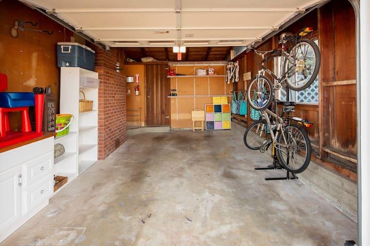 One car garage, fits minivan