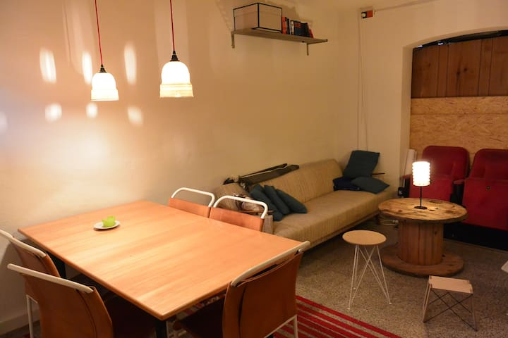 Cosy private room, near downtown - Stuttgart - Apartment