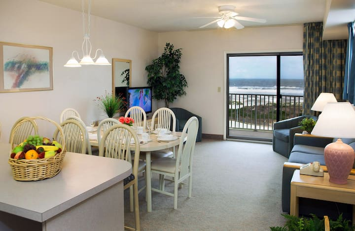 Lotus Inn - Oceanfront Townhouse