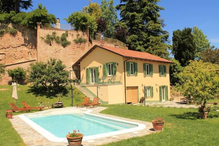 Monferrato. country house for 8 people. - Montafia - Ház
