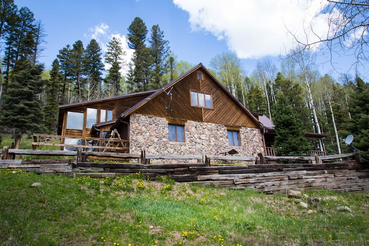 Gorgeous UpperValley home, perfect family vacation