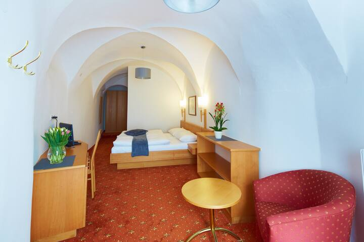 Rathauskeller Melk - Der Melker Gasthof - Die Residenz (Melk), Deluxe Doppelzimmer mit Dusche