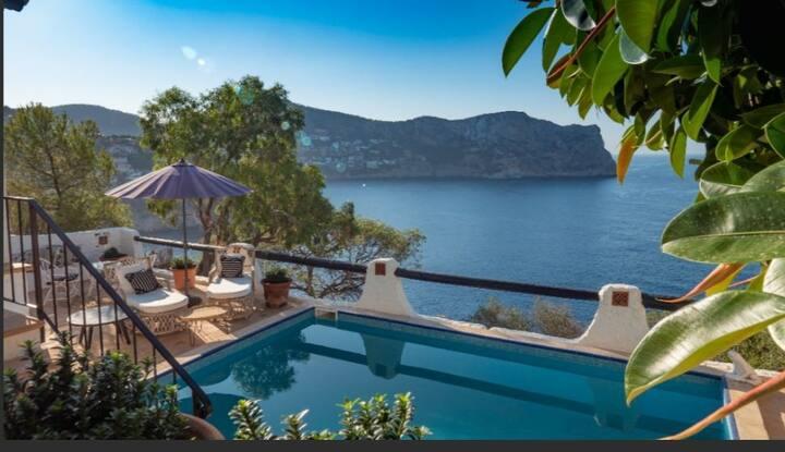 Stunning Mediterranean villa with amazing views