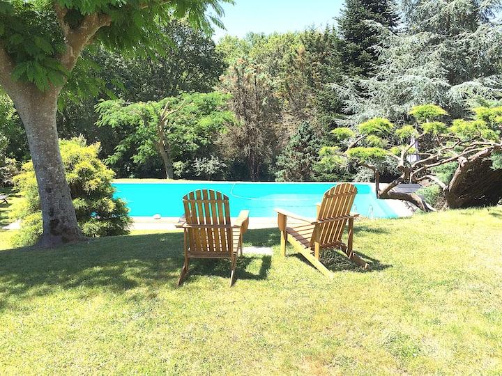 Villa, parc, piscine, 6 chbres, plage.