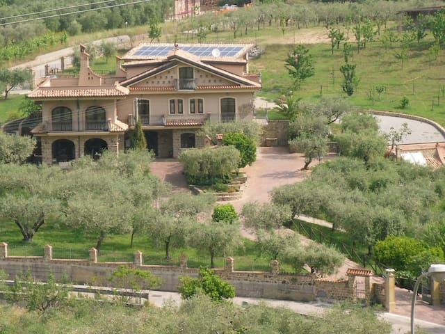 Bellissima villa nel Cilento - Castel San Lorenzo - Vila
